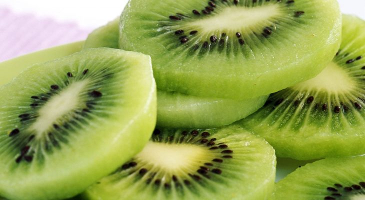 Spiced Kiwifruit Apple Chutney