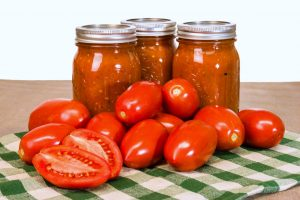 Homemade Canning – Canning Tomato Sauce When Your Crop Yield Is High