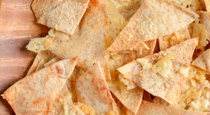 Salsa with pita chips