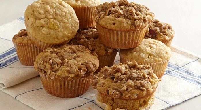 Apple-oat muffins home made