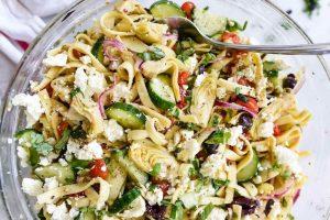 Healthy pasta shells, artichoke hearts with shrimp
