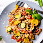 Pasta with zucchini & tomatoes